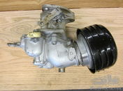 Buick Carter carburettor and manifolds.