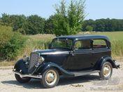 1934 Ford V8 tudor