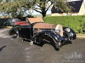 Unusual Bugatti drop head bodywork - cabriolet !