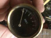 French oil pressure gauge