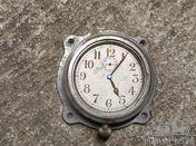 Horloge auto ancetre plate