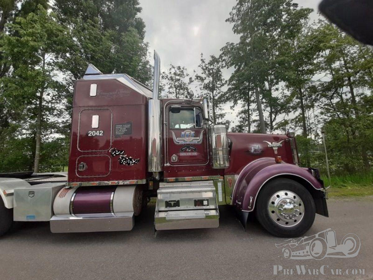Kenworth W900L truck 1993